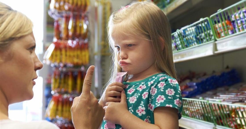 「吃加了色素的糖果會造成小孩過動?」早在 2008 年被推翻,別再相信假訊息