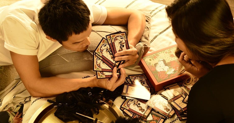 臉紅紅床遊卡牌開箱 建立專屬性愛指南,用卡牌來做伴侶增溫