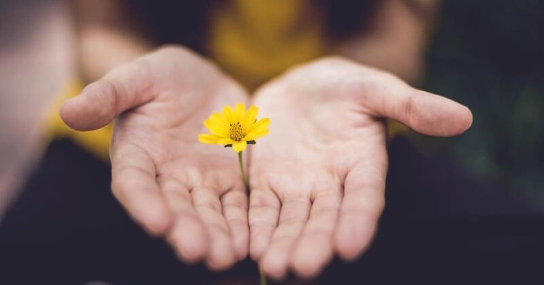 劉軒專文|正念冥想練習:與情緒共處,接納每一刻的自己