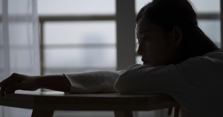 該不該坦誠和前任的戀情?研究表示,善意的謊言能提升親密感