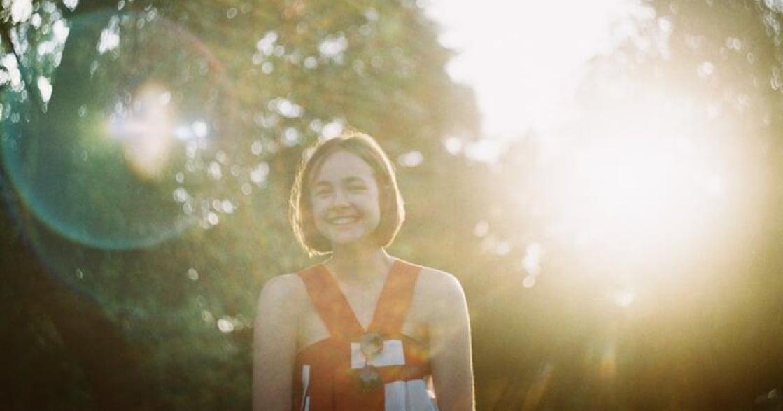分手後,該怎麼回到一個人的生活?建立一種自信,叫做「我不需要人陪」