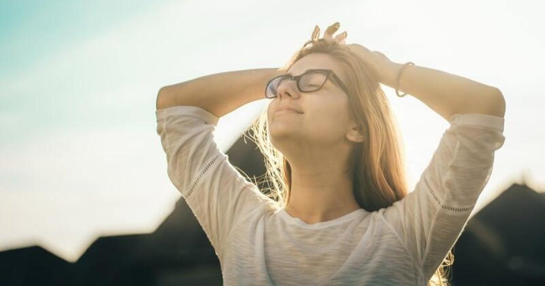 在家上課、工作用眼過度?5 步驟眼球瑜伽,帶你放鬆疲勞、釋放壓力