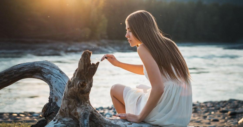 別談「消解寂寞」的戀愛!關係心理學:沒有誰是誰愛情裡的浮木