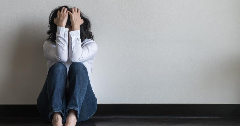 全球有 3 億人受憂鬱症所擾!9 種徵兆解析:食慾下降、體重驟減也要注意?