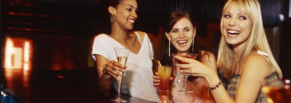 你是哪款微醺女人?夏日低熱量調酒任你選