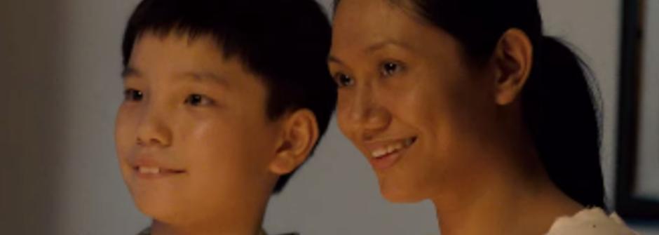 新加坡的《爸媽不在家》寫照:孩子不認爸媽,只認安踢?