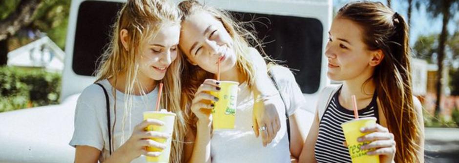 夏日姐妹地圖:慶祝友情的城市冒險!