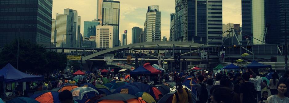 「香港不再臭了」走過17年,民主與道路開始芬芳