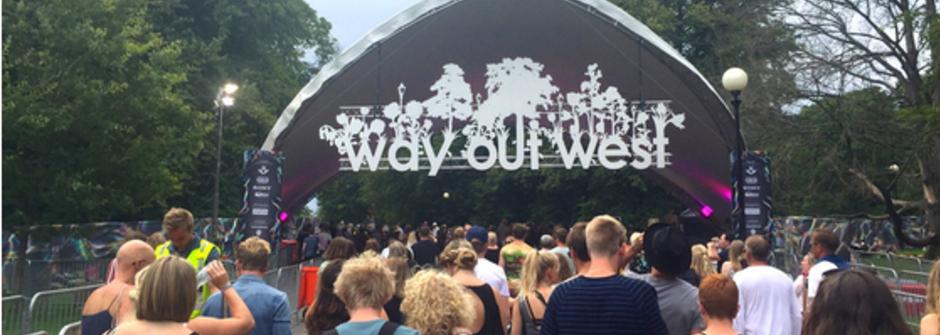 野莓、起司、草地、音樂節!在瑞典與 Patti Smith 共度音樂節