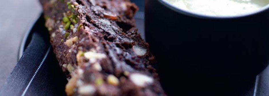 美味料理食譜:布朗尼與英國奶油甜醬汁的樂章食譜