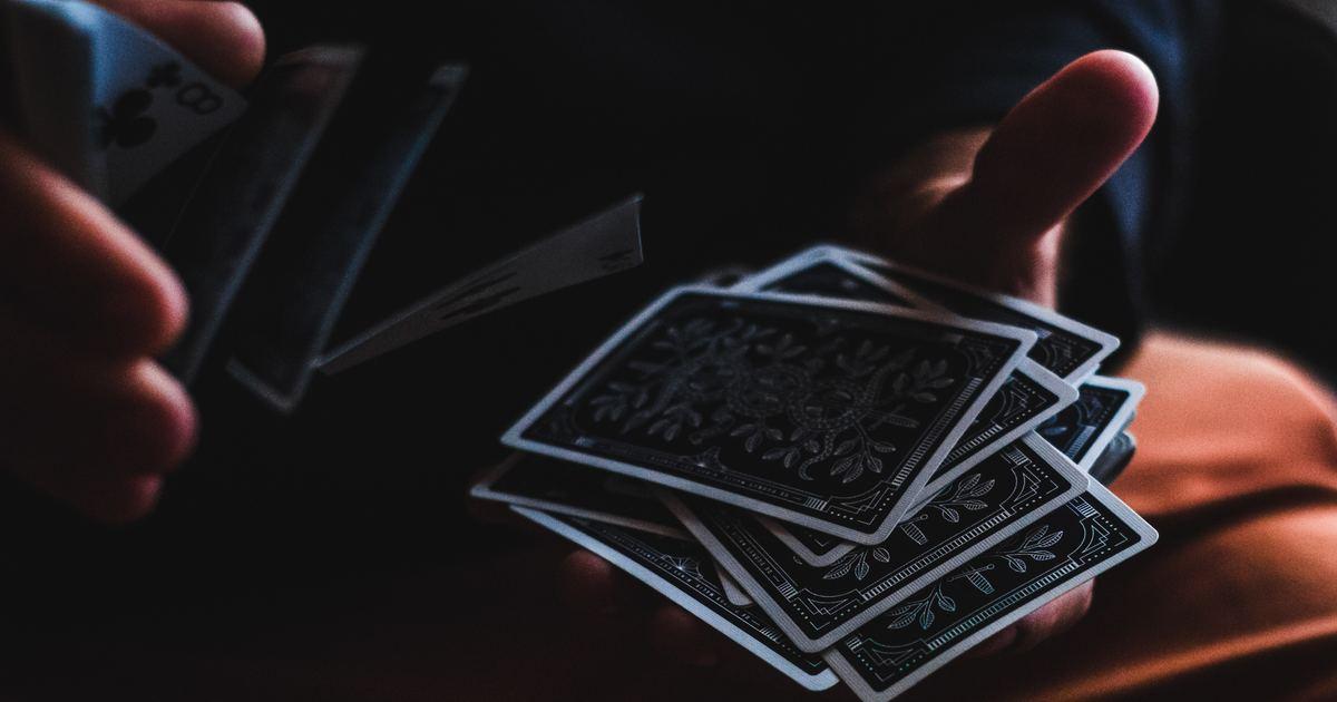 為你抽牌|奧修禪卡:正因為有共修的功課,此生才成為家人