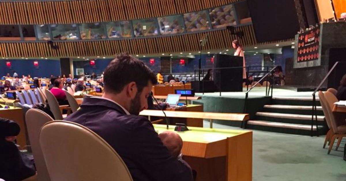 紐西蘭總理與第一伴侶:當妳站上聯合國,我照顧我們的寶寶