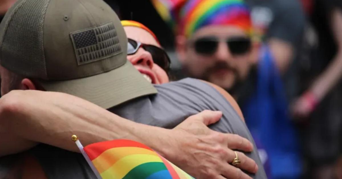 親愛的爸爸,我是同性戀,我只是想要你的擁抱