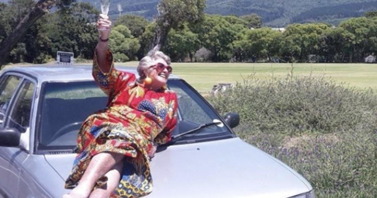 丈夫離開後,80 歲老奶奶展開了一場非洲冒險之旅