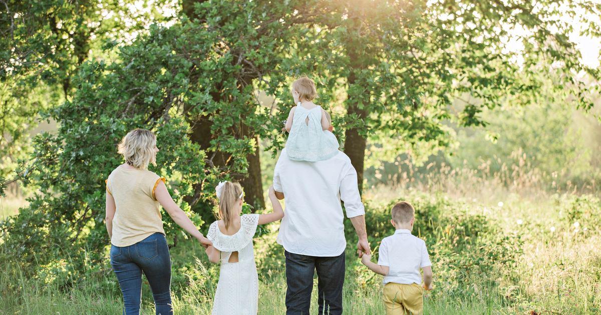 快樂家庭旅行關鍵:全家人,好好在當地吃一頓飯