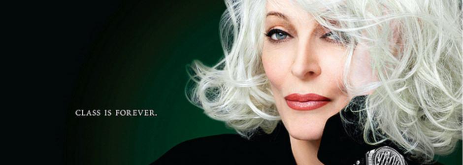 氣場超強!全球最資深 83 歲模特兒 Carmen Dell'Orefice
