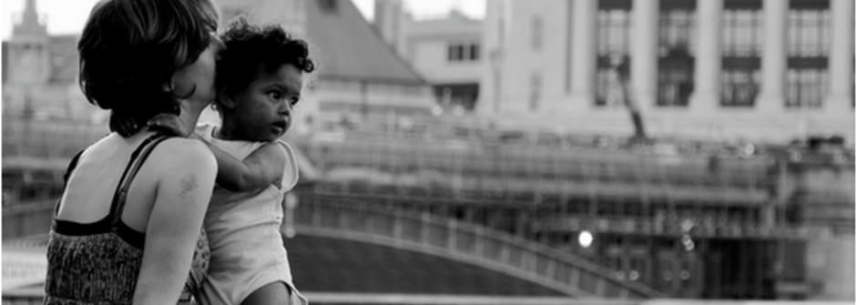 壓死「媽媽」的最後一根稻草:經濟獨立才是好媽媽?