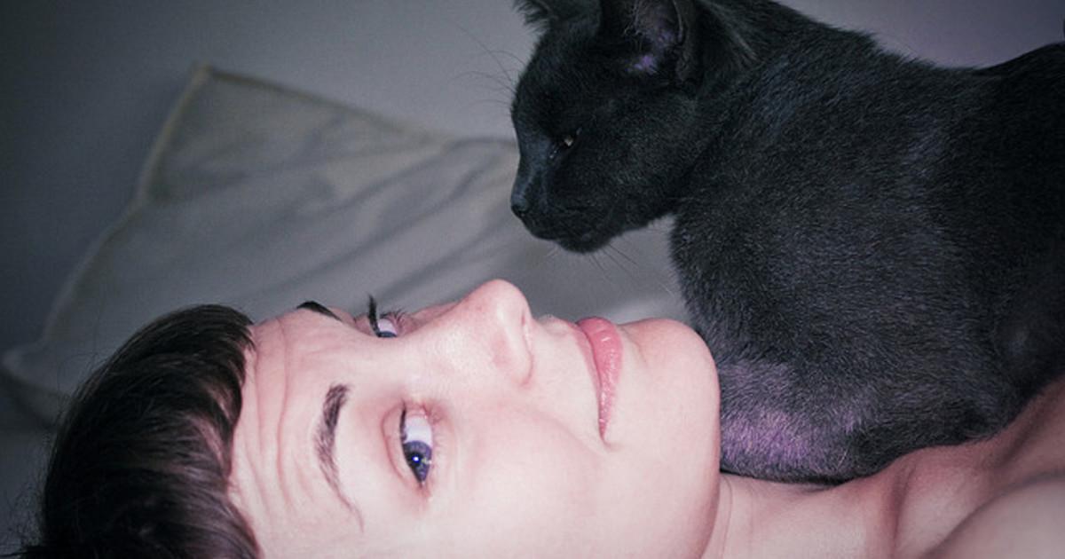 愛她,請連她的靈魂一起!與貓系女子相戀的五個美好理由