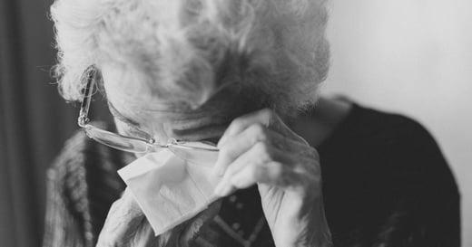 愛發脾氣、無理取鬧:當長輩有這些症狀,可能得了非典型憂鬱症