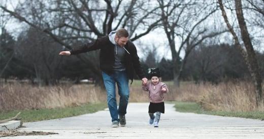 「我爸爸很厲害、很會修理東西」父親在孩子的成長過程中有這些影響力