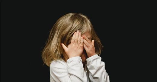 「我感覺自己好差勁」錯誤教養方法,會如何養出孩子的羞恥感?