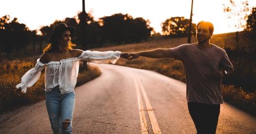 《摩登情愛》:在親密關係裡,我們都一樣也不一樣