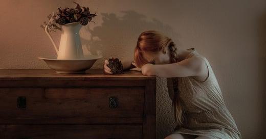 我在情傷後成長:我們為何會失去自我、過度迎合他人?