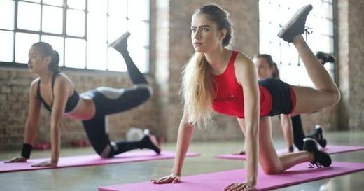 小腹外凸怎麼辦?15 組入門腹部訓練,讓你在家也能練出精實小腹