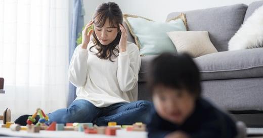 疫情期間在家,那些看不見的情緒勞務,令人窒息的母職有誰真的在乎呢?