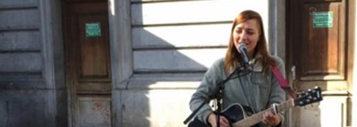 比利時的街頭紀實:自彈自唱追夢的那個女孩 Klara