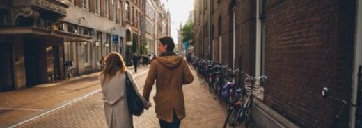 愛情裡不談條件,適合你的才是最好