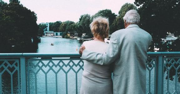 愛,是一種精神病!15 句愛情短句:愛情太短,遺忘太長