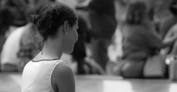 從裝扮到人生態度:巴黎女人「不要太用力」的人生哲學
