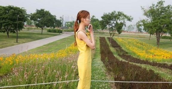 【Pantone 衣物學】讓人想親近的檸檬黃穿搭