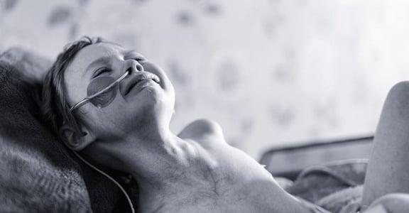 「你的生命在鏡頭延續」他用攝影,紀錄癌症女兒的最後一哩路