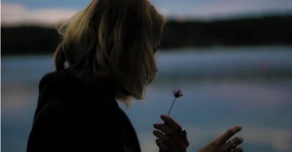 與渣男談的一場戀愛:如果要愛,必須為了自己