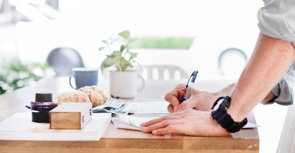 靜心寫字的心理學:為何改變字跡就能改變人生?