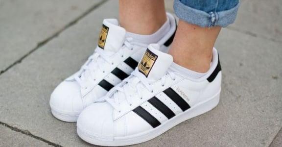小白鞋的清爽夏日!五個讓白鞋嶄新的照顧方法