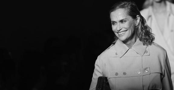 牙縫模特兒 Lauren Hutton 帶起時尚美學:我的缺陷特別美