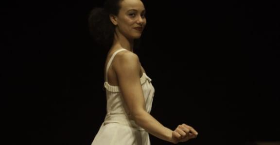 舞蹈的革命家!碧娜・鮑許:只要心有渴望,人人都能跳舞
