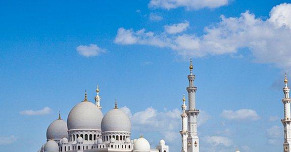 一窺阿布達比,壯觀又細緻的大清真寺