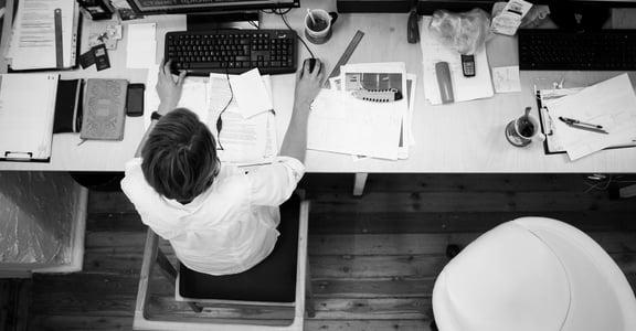主管的狡猾管理學:讓部屬精力聚焦工作,但每天準時下班