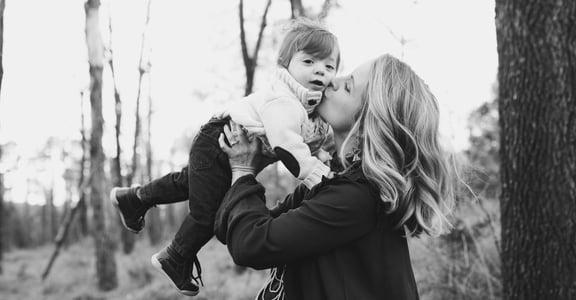 為什麼「父代母職」「母兼父職」的說法,對單親家庭其實很傷人