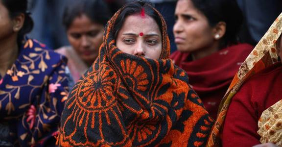 印度巴士輪暴案,犯人辯護律師:「女人在男人眼中就是性。」