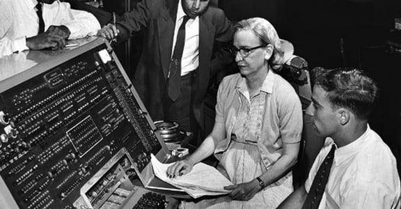 你知道圖靈,但你知道最早發明編譯器的是女人嗎?