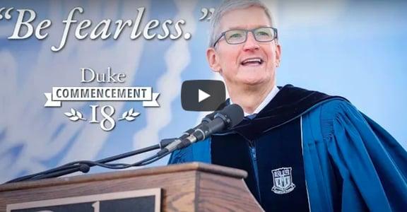 改變人生的畢業演說:人之所以無所畏懼,是被信念驅動,而非掌聲