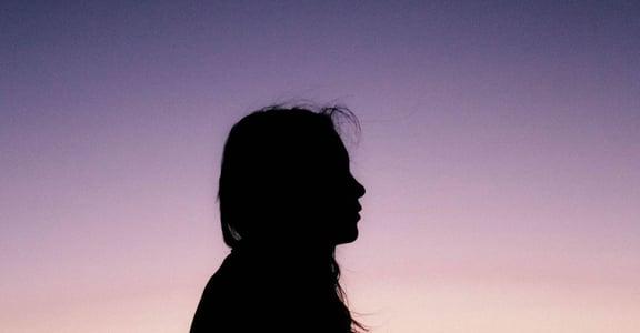 人生中最大的痛苦,是不知道自己是誰