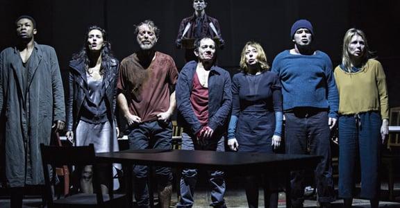 卡繆戲劇《圍城》的今日寓意:酸民、英雄、恐懼綁架