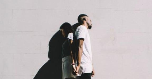 【為你抽牌】奧修禪卡:愛情不需占有,當你想念,就已在愛裡