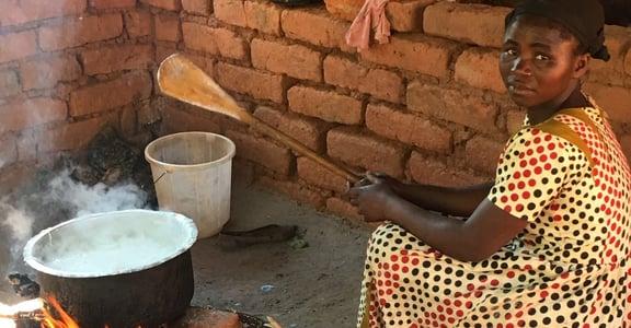 馬拉威報導:在這裡,女孩全是預備人妻